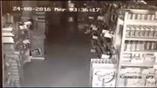 Terremoto, la scossa dura più di un minuto: alle 3.36 il supermercato trema