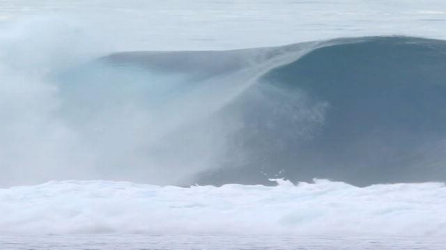 Surf, Slater perfetto a Tahiti