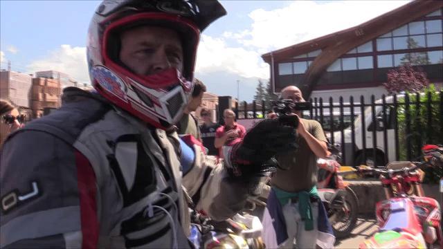"""Terremoto, angeli su due ruote: """"In motocross per portare medicinali a chi è isolato"""""""