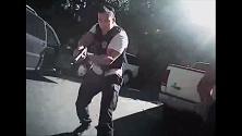 Charlotte, l'uccisione di Keith Scott nelle immagini della polizia. Ma i dubbi sull'arma...