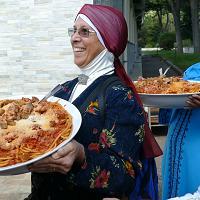 """Terremoto, una """"amatriciana halal"""" dai musulmani di Roma"""