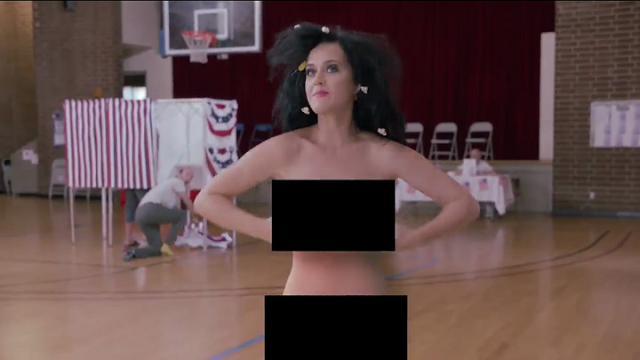 Usa, Katy Perry nuda per Hillary: ironico video a sostegno della candidata alle presidenziali