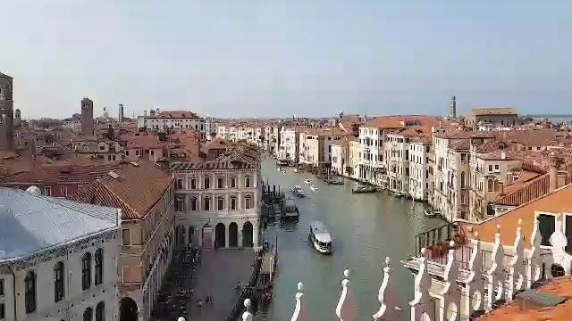 Dal Fontego Dei Tedeschi A T Fondaco A Venezia L Ex