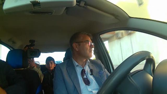 """Zapponeta, il sindaco con la Panda-scuolabus: """"Siamo il paese più indebitato d'Europa"""""""