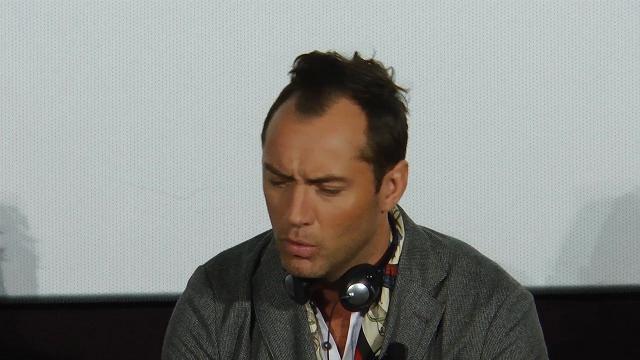 Jude Law, papa scandaloso: l'omelia in The Young Pope lascia di stucco