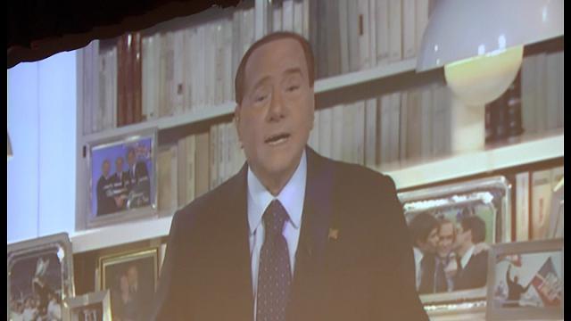"""Referendum, Berlusconi: """"Votate no, rischiamo dittatura della sinistra"""""""