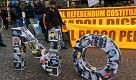 Renzi a Napoli, proteste in piazza