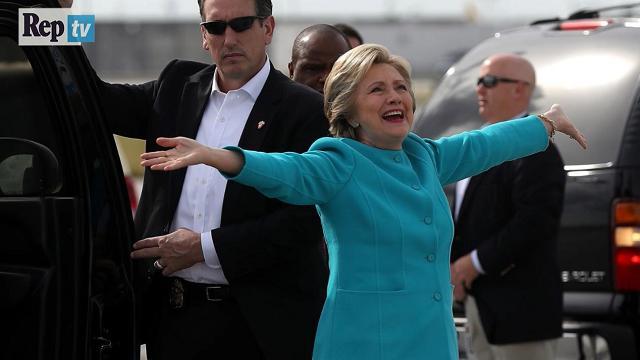 """Usa, Hillary Clinton compie 69 anni e fa gli auguri a se stessa: """"Futuro presidente"""""""