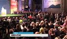 """Leopolda, Renzi attacca la sinistra del partito, qualcuno grida """"fuori"""""""