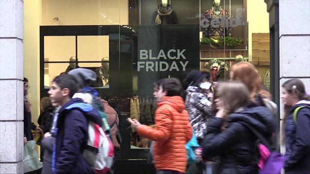 black friday come in usa in lombardia legge tuteliamo i negozi contro grandi catene ed e. Black Bedroom Furniture Sets. Home Design Ideas