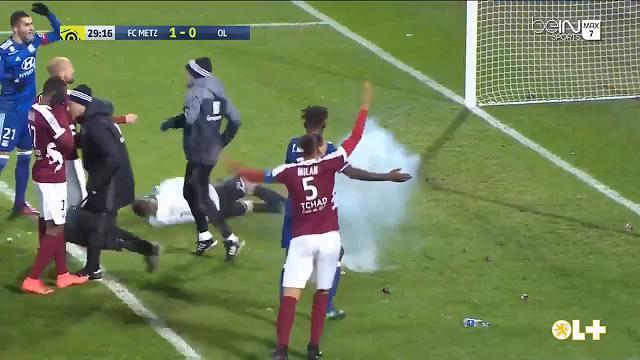 Francia, Petardo colpisce il portiere del Lione, sospeso il match con il Metz