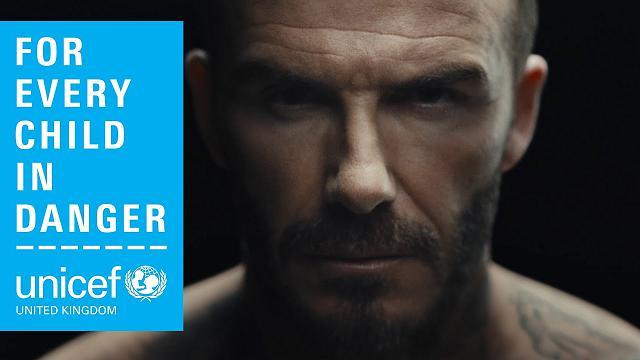 David Beckham contro la violenza sui bambini: un segno indelebile