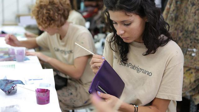San Patrignano e Tod's, le borse nascono nei laboratori della comunità