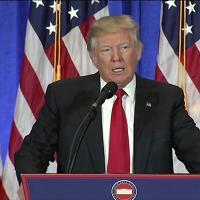 """Trump: """"Le informazioni false sono una macchia per gli 007"""""""