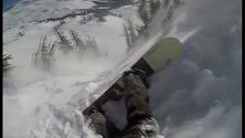 Canada, valanga travolge snowboarder: salvo dopo la discesa da incubo
