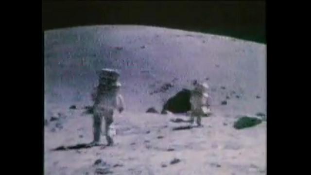 Apollo 17, Cernan e Schmitt cantano nello spazio
