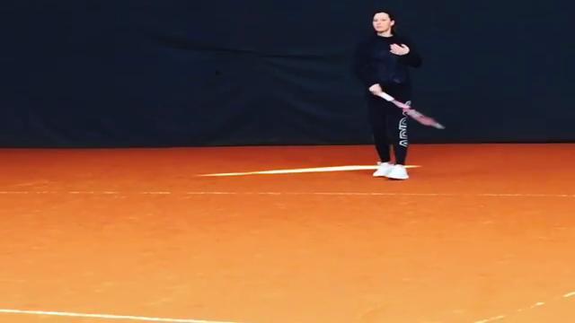 """Flavia Pennetta si allena col pancione: """"Toglietemi tutto, ma non il mio tennis"""""""