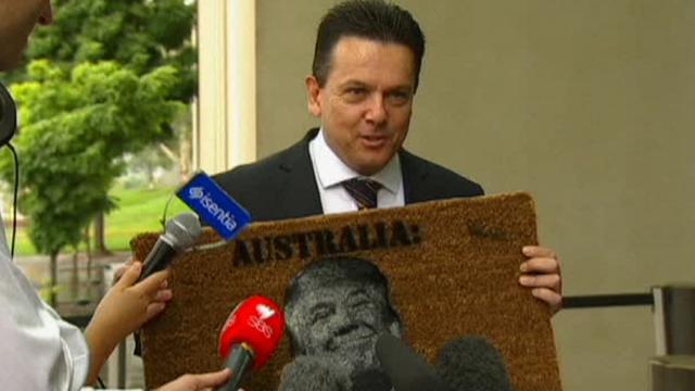 """australia, il politico: """"non siamo lo zerbino di trump"""