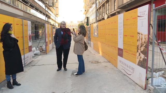"""Bari, Sgarbi boccia la nuova via Sparano: """"Senza palme è grigia"""""""