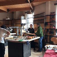 Nella Bottega di Parma dove nascono gli strumenti