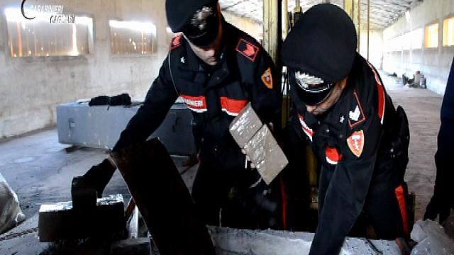Moncalieri, impresario nei guai a Cagliari: spediva droga nel cemento delle gru