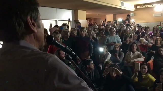 Gianni Morandi canta fra terremotati di Camerino