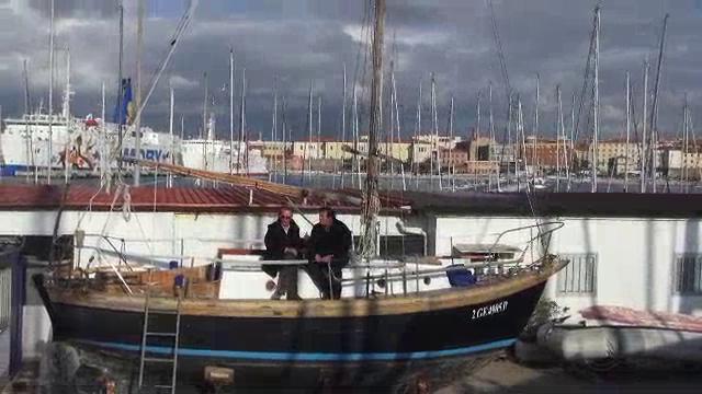 A bordo di Garbì, la barca vintage