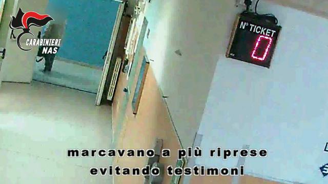 Napoli, ospedale Loreto Mare: 55 arresti e 94 indagati per assenteismo