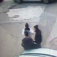 Baby gang a Nuoro, tre minorenni filmati mentre preparano la rapina in profumeria
