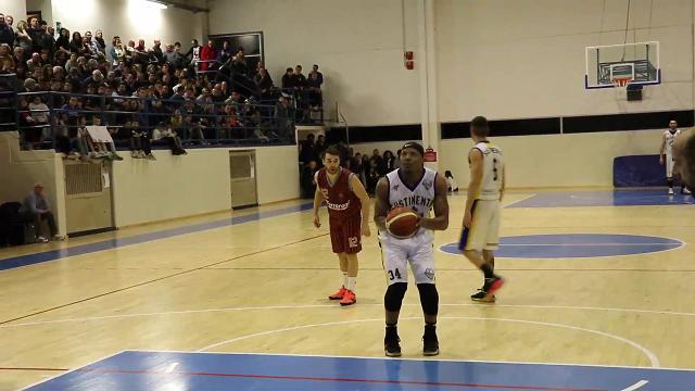 Basket, il debutto di Hawkins a Sustinente: a far festa è Cremona