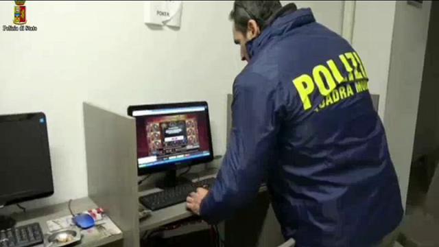 Operazione Reset, chiuse 12 sale giochi tra Napoli, Palermo e Bari