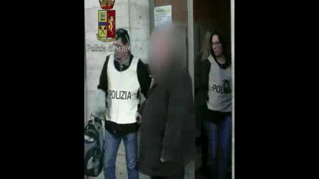 Torino, il momento dell'arresto del santone stupratore