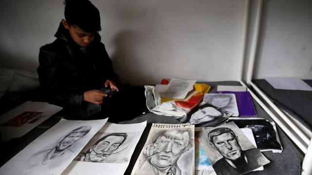 """Il """"piccolo Picasso"""", a 10 anni è l'artista dei rifugiati"""