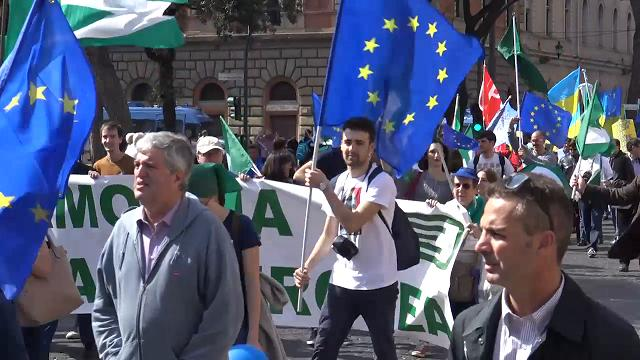 Trattati di Roma, politici in piazza: ''Costruiamo un'Europa federale''