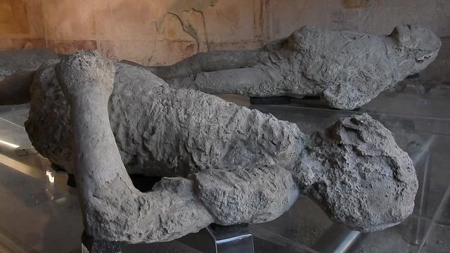 """Pompei riscopre i calchi di Fiorelli del 1863. Osanna: """"Hanno cambiato un'epoca"""""""