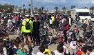 """Alghero, scuole in """"Rosa"""" aspettando il Giro d'Italia: mille bici invadono il centro"""