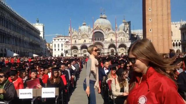 I neodottori di Ca' Foscari lanciano il tocco in piazza San Marco