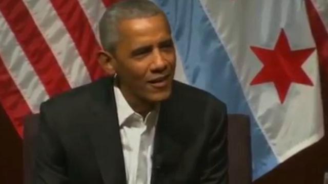 """Chicago, la battuta di Obama: """"Cosa è successo da quando sono andato via?"""""""