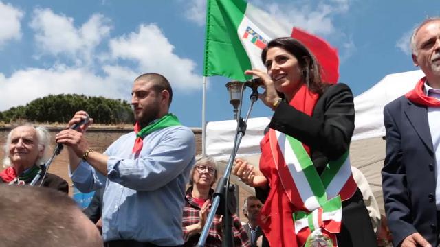 """Roma, 25 aprile, Raggi: """"Polemiche tra Anpi e Brigata ebraica? Noi ad entrambe le manifestazioni"""""""