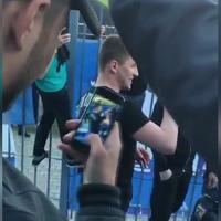 """Ucraina, i tifosi cantano """"O sole mio"""": il classico napoletano tra i cori della curva"""