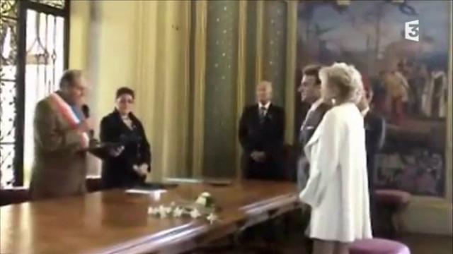 Matrimonio In Economia : Macron e brigitte il matrimonio del toccante