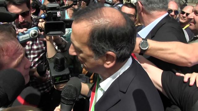 Migranti, il sindaco Sala al corteo con la mamma: ''Integrazione parte da Milano''