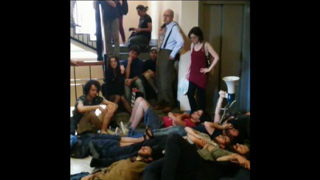 Milano, nuova protesta degli studenti in Statale contro il numero chiuso