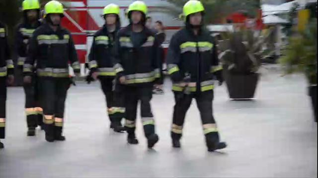 Merano, show per l'esercitazione dei pompieri