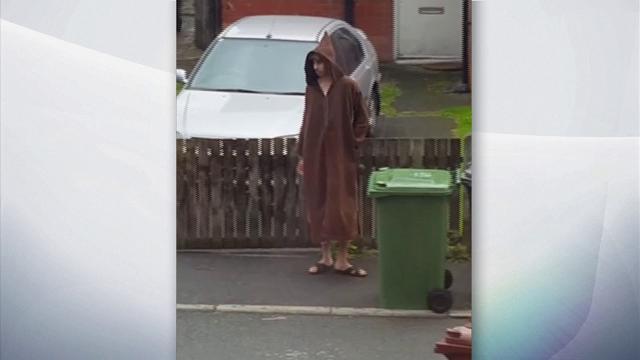 Attentato a Manchester, Salman Abedi ripreso da un vicino mentre butta la spazzatura