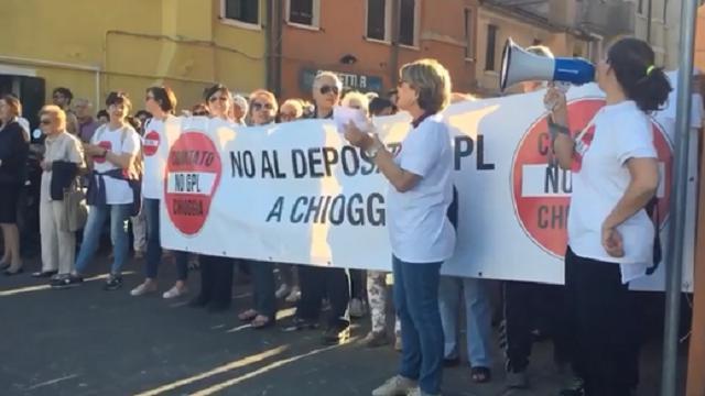 Chioggia, monta la protesta contro il deposito Gpl