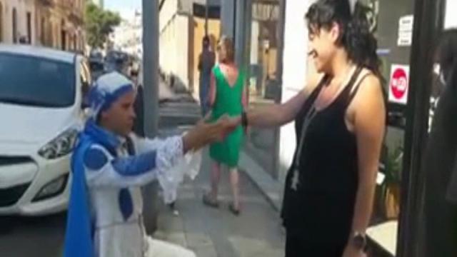 Matrimonio Principe Azzurro : Lecce la proposta di matrimonio arriva da un principe