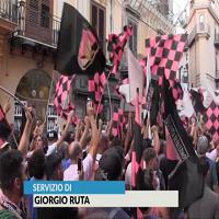 """Palermo, ultras in piazza contro Zamparini. """"Vattene"""""""
