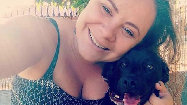 Brasile, il cane che ha emozionato il mondo: condivide la sua coperta con un randagio