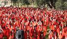 'Wuthering Heights', flashmob in rosso contro la violenza domestica